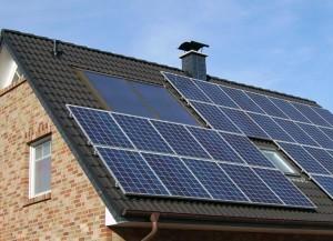 Установка солнечной системы на крыше