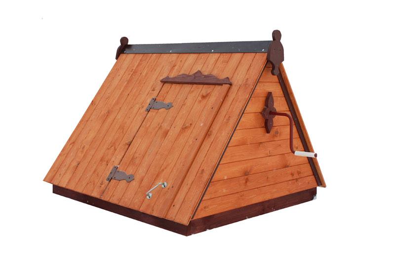 двускатный домик для колодца