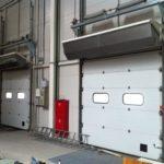 Выбираем тепловую завесу на ворота в цех: популярные модели и характеристики
