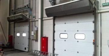 два аппарата на воротах
