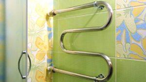 М-образный змеевик в ванной