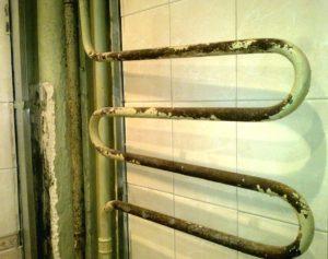 старый змеевик в квартире